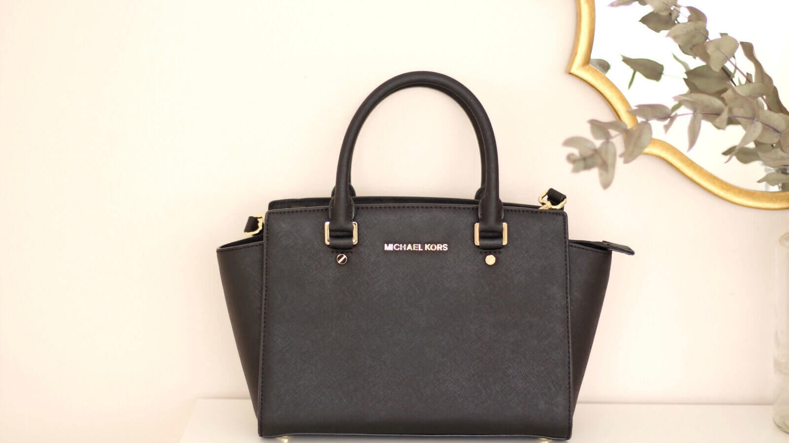 f28c410863 A good quality bag(not necessary designer) is a must as it transforms every  outfit . You can wear a minimal